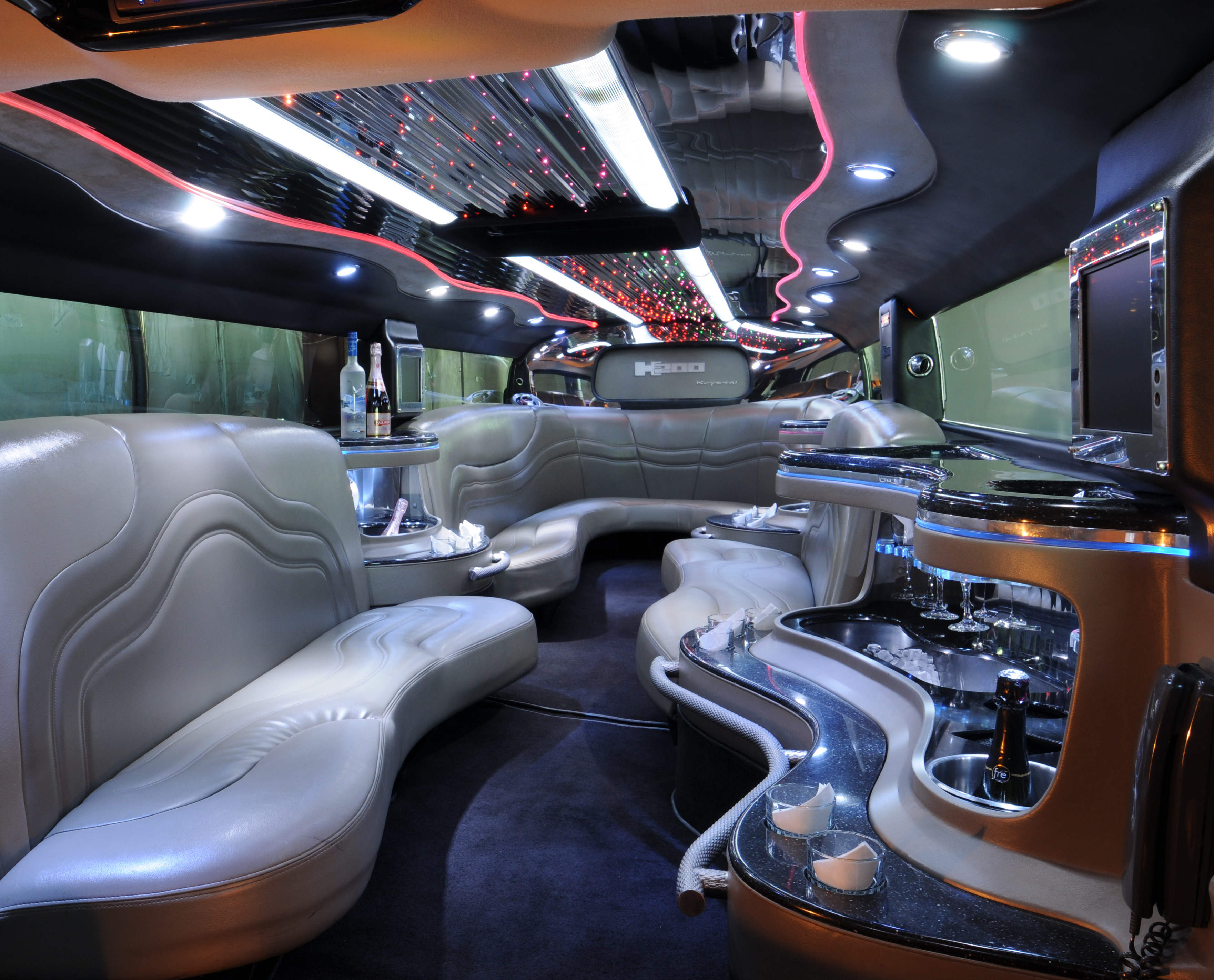 What S Hot In Vegas Earth Limos And Buses Blog Earth