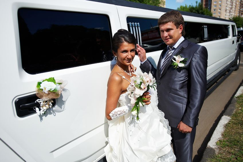Couple rents Earth Limo for Las Vegas wedding transportation